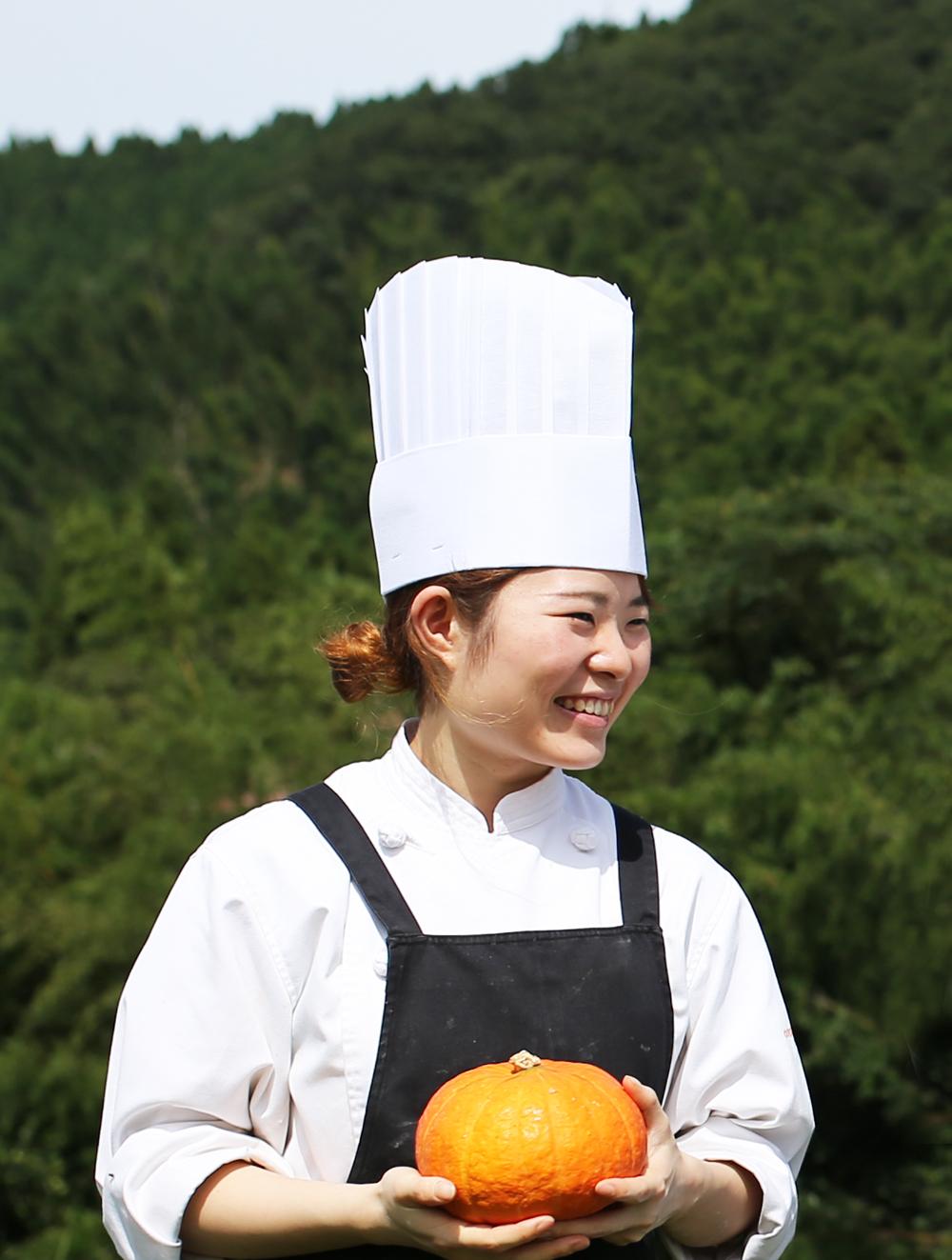 大江ノ郷の秋 パティシエの笑顔