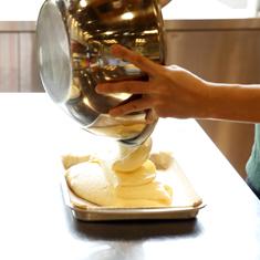 ロールケーキ作り体験