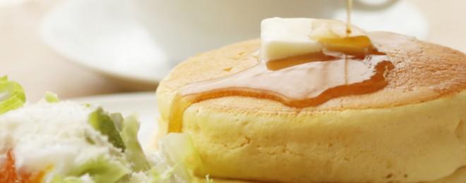 天美卵シーザーサラダのパンケーキ〜自家製ベーコン添え〜大江ノ郷テラス