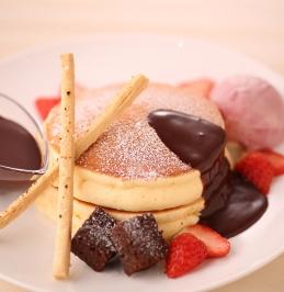 生チョコとベリーのパンケーキ【大江ノ郷自然牧場/ココガーデン】